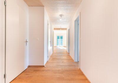 Gang Mehrfamilienhaus Stampfli Wicki AG
